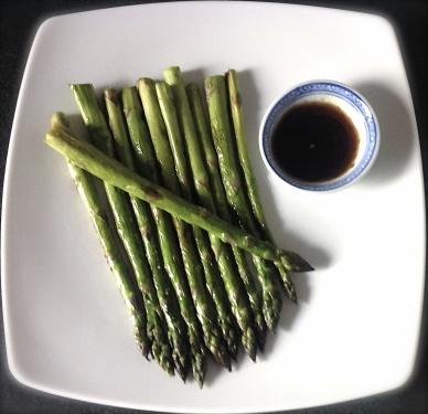 Asperges vertes sautées à la japonaise - C'Végétal