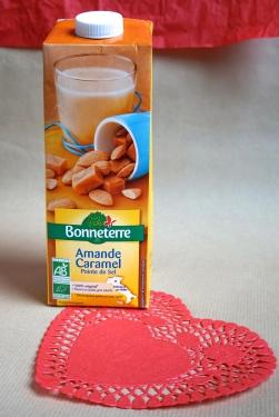 Panna cotta de lait amandes-caramel et poêlée de pommes - C'Végétal