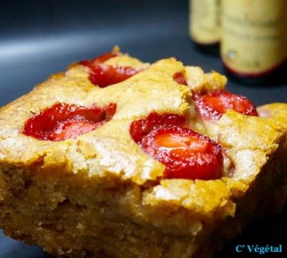 Banana cake : le retour - Aux fraises fraiches et arôme naturel de framboise bio - C'Végétal