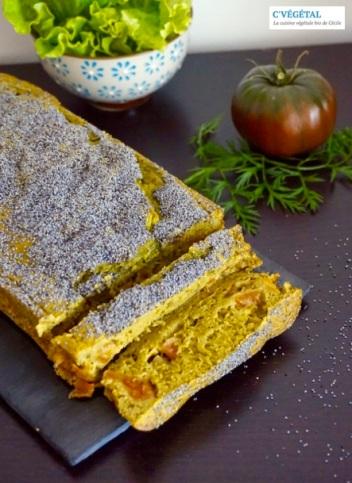 Cake aux tomates noires de Crimée et fanes de carottes : Black Krim tomato and carrot tops bread - C'Végétal