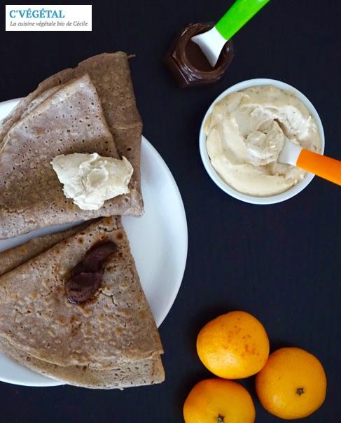 Galettes de sarrasin, beurre de coing et pâte à tartiner chocolat-noisettes - C'Végétal