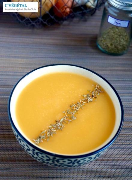 Velouté de topinambour et patate douce au thym // Jerusalem artichoke and sweet potato soup with thyme - C'Végétal