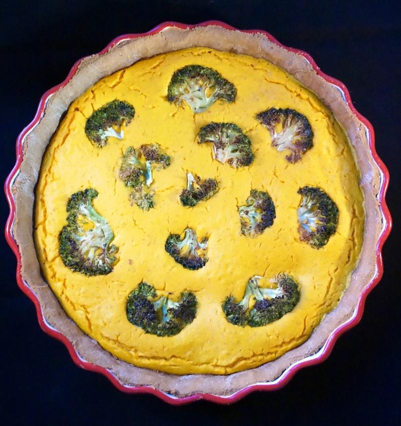 Quiche à la courge musquée et brocoli, pâte à la cacahuète
