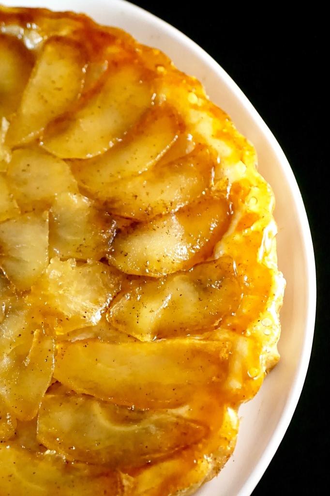 Tarte tatin fine aux pommes - Vegan - C'Végétal - https://cvegetal.com